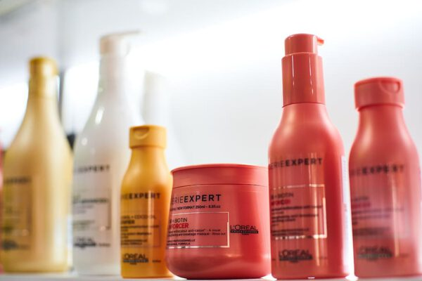 Verschillen producten van de kapper en die van de drogist