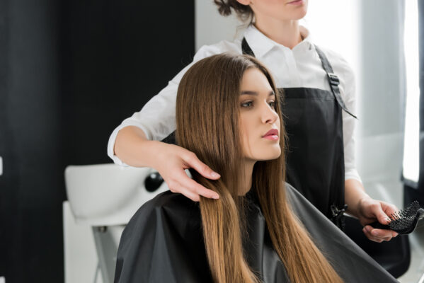 Wat is beter: Knippen of snijden van het haar