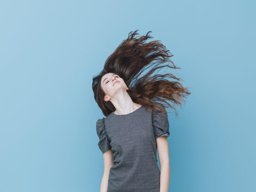 Lees hier 5 behandelingen voor haar, dat van nature droog is
